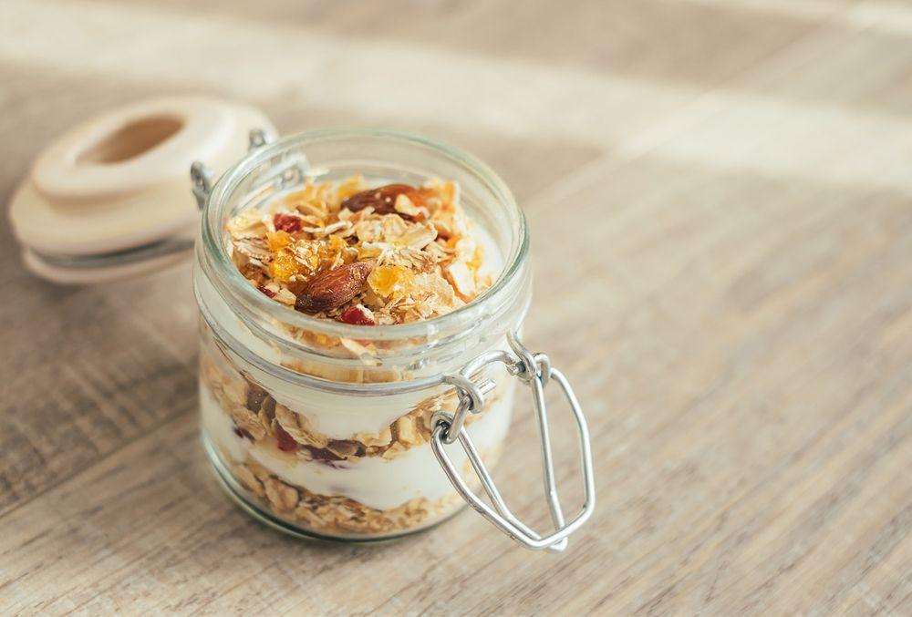 Avena, uvas y yogurt son algunos de los alimentos con índice glucémico bajo.