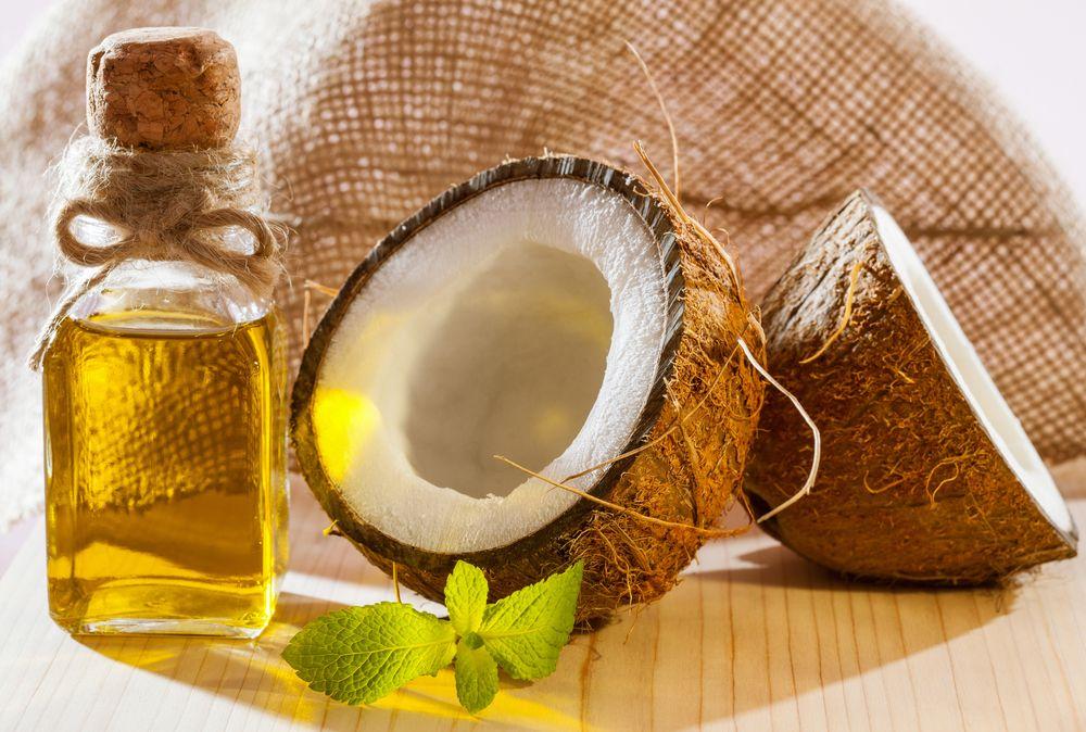 Exposición sobre los beneficios que aporta a la salud y las precauciones que hay que tener al introducir el aceite de coco en la dieta de una persona